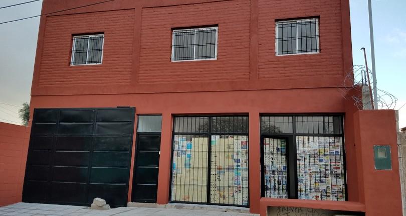 Local Comercial + Departamentos 1 y 2 dorm.